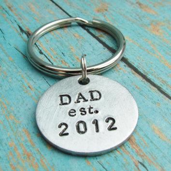 Hand Stamped Key Chain With Brushed Aluminum Charm Tag Dad Established YEAR Custom Made Personalized Gift For Dad New Daddy Father Gift