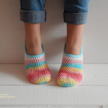 WOMAN SLIPPER SOCKS /Crochet Slippers. Knitted slippers. Women shoes. Home shoes
