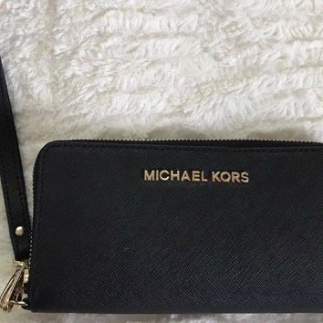 MICHAEL KORS BLACK LEATHER WALLET/WRISTLET