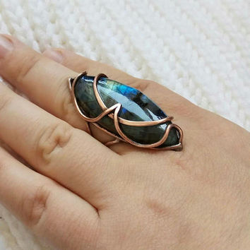 Labradorite ring, Copper ring, Wire wrapped ring, Boho rings Big stone ring, Hippie rings Big ring Unique ring Wire wrap ring Gemstone ring.