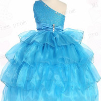 Lovely Sleeveless Tulle Wedding/Evening Flower Girl Dress With Flowers Bow