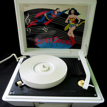Dejay Record Player Superman Wonder Woman Super Sounds Turntable SP21