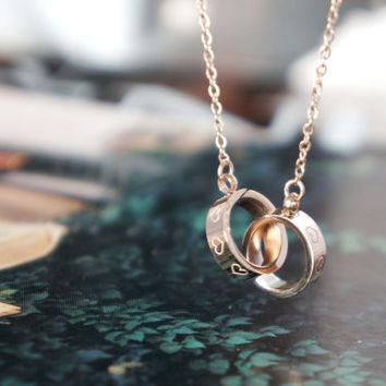Rose gold double rings necklace