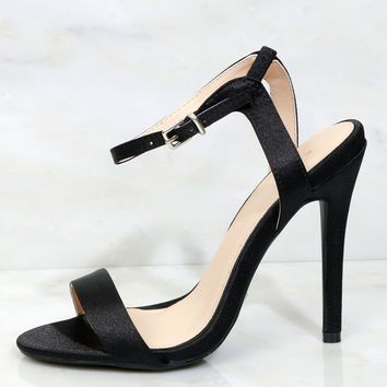 Glamor Steps Satin Heel Black