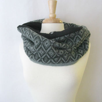 Green and Black Wool and Cashmere Snood Infinity Scarf Cowl - Eco Friendly Tribal Fair Isle : Upcycled Recycled Repurposed
