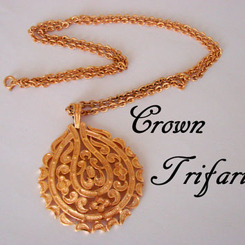 Vintage Crown Trifari Gold Tone Pendant Necklace / Designer Signed / Jewelry / Jewellery