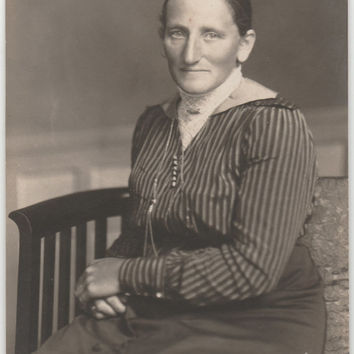 Portrait Photography old Lady Photo 1920s Vintage Photography Portrait collectible Photo Vintage Photo old lady Photo old woman