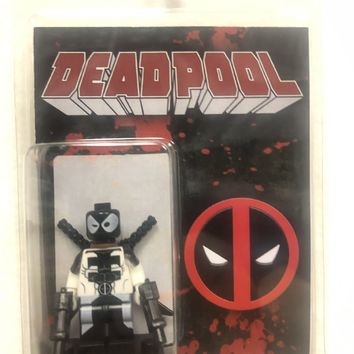 Block Minifigure Deadpool White Suit