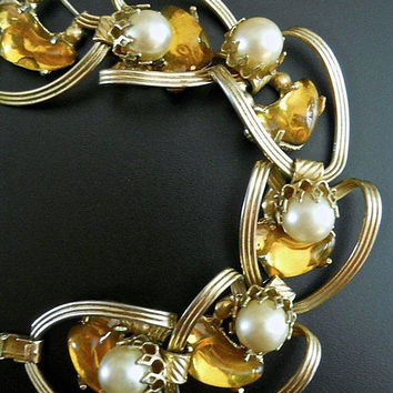 Gripoix Bracelet Poured Yellow Glass, Faux Pearl, Gold Tone Link, Vintage