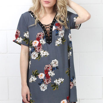 Floral Lace Up Neckline Tunic with Pockets {Grey Mix}