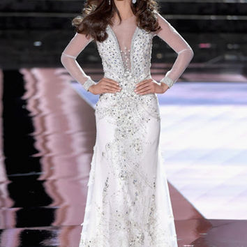 Sheath Illusion Neck Sheer Long Sleeve Evening Dress With Appliques Beading Elegant Formal Gowns Miss Universe Top Dress