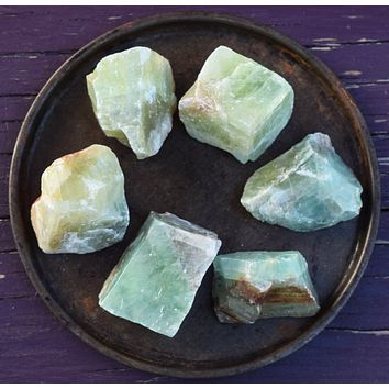 GREEN CALCITE Raw Crystal - Transformation, Manifestation - Witch's Stone