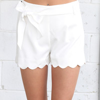 Bow Tie Scalloped Shorts {Off White}