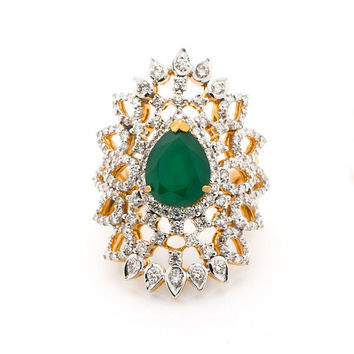 Diamond cocktail Ring in 18Kt Yellow Gold and  1.79 Ct diamonds with pear shaped 2.66Ct green onyx in center