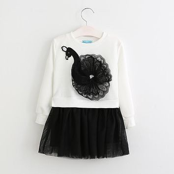 Girls Dress  New Spring Kids Dresses Long Sleeved Cartoon Swan Lace Appliques Princess Party Dress
