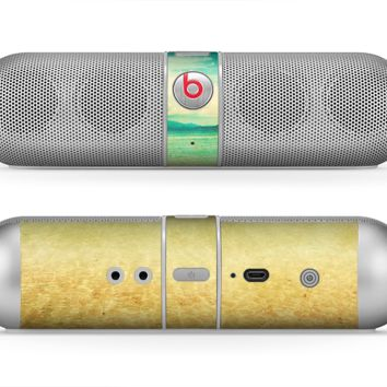 The Vintage Vibrant Beach Scene Skin for the Beats by Dre Pill Bluetooth Speaker