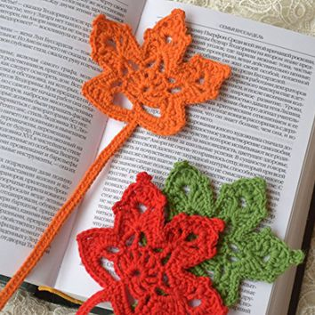 Crochet bookmark Leaf crocheted bookmarks Handmade crochet bookmark Book accessories Gift ideas for book lovers teacher gift student gift coworker gift handmade bookmark Reader Gift