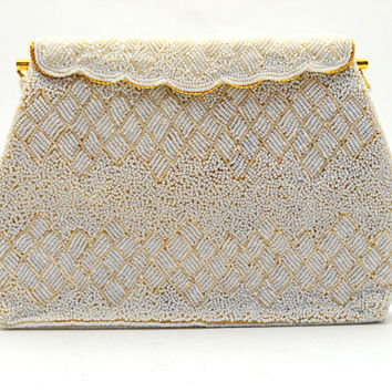 Vintage Beaded Purse, White Beaded Wedding / Evening Bag with Hinged Scalloped Frame, circa 1960s