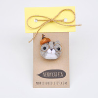 Needle felted brooch cat pin, cat brooch, gray tabby brooch, tabby cat,  needle felted animal, nerdy cat pin, animal jewelry, animal brooch