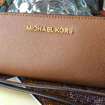 Michael Kors Jet Set SaffianoLeather Travel Tech Wallet Wristlet Clutch Luggage