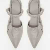 Wal & Pai / Pacific Pointed Flat in Grey
