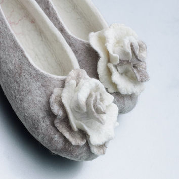 Women bridal wool slippers with flower Cashmere roses, women house shoes, White, beige, brown