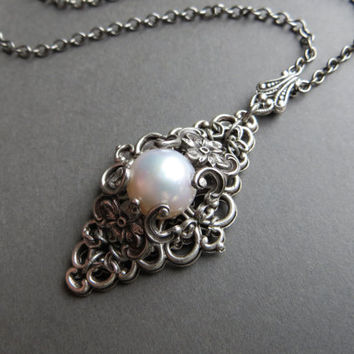 Vintage pearl pendant necklace, wedding, bridal / oxidized silver plated brass, freshwater pearl, ornate filigree