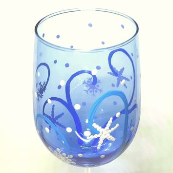 4 Winter snowflake wine glasses, hand painted wine glasses, snow flake, blue wine glass, winter theme, blue & white, snowflake wine glasses