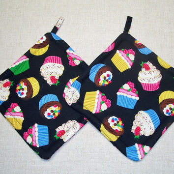 Cupcakes - Pot Holders - Trivets - Hot Pads - Set of 2 - Insulated - Novelty, Green, Pink, Yellow, Black