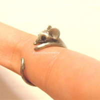 Cute mouse ring - Gold and Silver; adjustable size; minimalist knuckle rings, midi rings, mini rings, animal ring, cow, cute ring