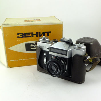 Zenit-E- Vintage Russian Rangefinder Camera 35mm Film, Lens Industar-50-2, Made in USSR, Boxed,