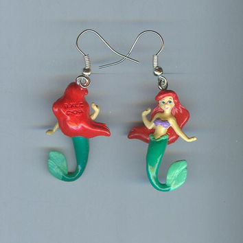 Cute! Disney 3D ARIEL The Little Mermaid Character Charm Pierced Hook or Stud Earrings - M470