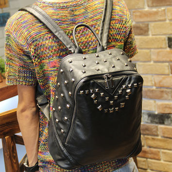 Vintage Men's Black Studded Laptop Bag Leather Backpack Travel