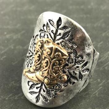 Boot Charm Etched Stretch Ring - Antique Silver Tone