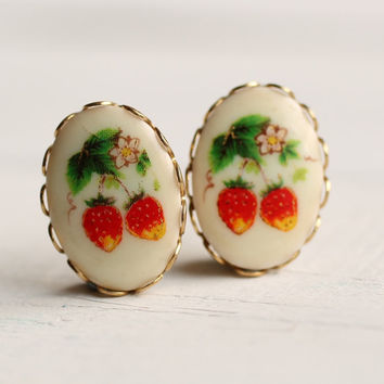 Strawberry Earrings ... Vintage Fifties Kitsch Fruit American Orchard Harvest Apricot