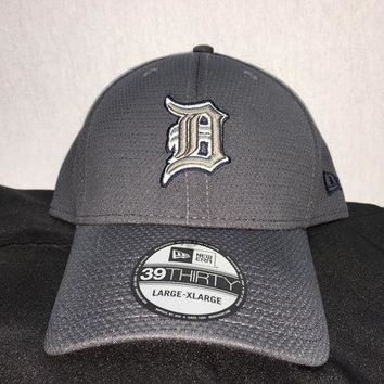 ESBON MLB Detroit Tigers Men's Tone Tech Redux Flex Hat