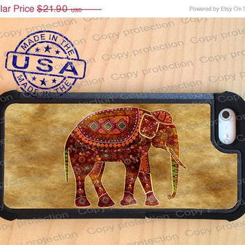 SALE Indian Art Elephant iPhone 5 case with extra protection - Wild animal iPhone 5 hard case, 2 piece rubber lining case