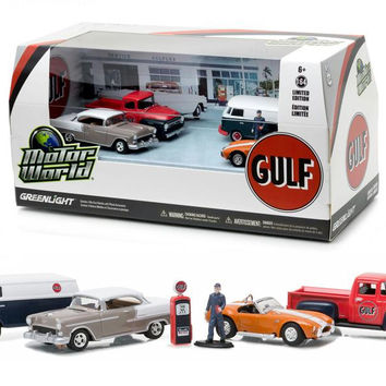 Motor World Diorama Set Gulf Oil Vintage Gas Station 6pcs Set 1-64 Diecast Model Cars by Greenlight
