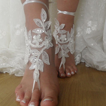 İvory Lace Wedding Sandals,Beach Wedding Lace Shoes,Bridal Lace Barefoot Sandals,Lace foot Jewelry