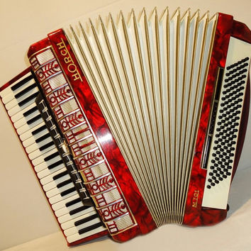Perfect, Rare German Piano Accordion HORCH M 701 120 bass. Very beautiful sound. Made in Germany