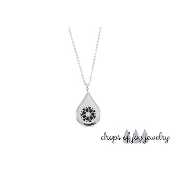 Essential Oil Drop Diffuser Necklace - Flower 2