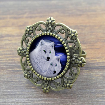 Newest 2016 White Wolf Glass Cabochon Vintage Ring Personalized Fashion Ancient Bronze Round Retro Rings for Women Jewelry
