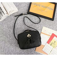 LV Louis Vuitton MONOGRAM LEATHER Saintonge INCLINED SHOULDER BAG