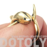 3D Realistic Shark Sea Animal Wrap Ring in Shiny Gold | Sizes 5 to 10