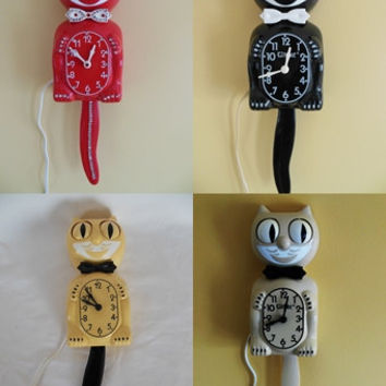 Restored Electric KIT CAT KLOCK / Cat Clock / Felix Clock Red W/ Rhinestones