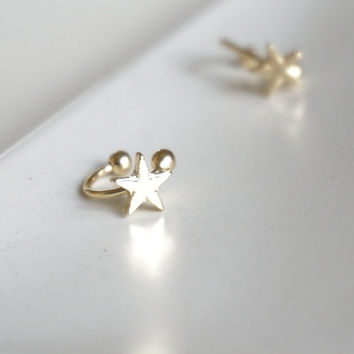 Gold Star Ear Cuff, Shooting Star Earring, Stackable Jewelry Gold Ear Wrap