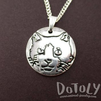 Round Engraved Kitty Cat Animal Portrait Pendant Necklace | DOTOLY