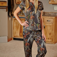 Mossy Oak® Camo Henley & Pants Set