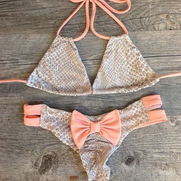 Fashion Bowknot Halter Bikini Swimsuit Swimwear