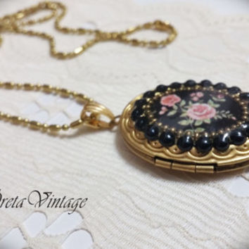 Christmas SALE! Photo locket necklace,vintage locket,locket pendant necklace, romantic necklace,antique locket, victorian necklace
